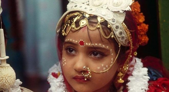 Khám phá tục đeo khuyên mũi của phụ nữ Ấn Độ