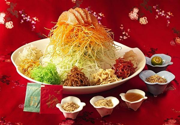 Thưởng thức món Yu Sheng độc đáo