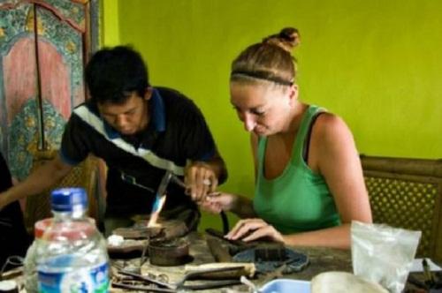 Tự làm đồ trang sức ở Bali