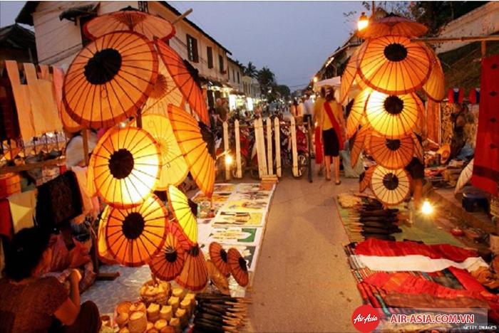Dạo chợ đêm Vientiane