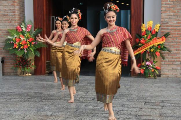 Lăm Vông - điệu tango truyền thống của nước Lào