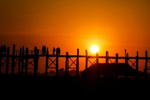 ngắm cảnh mặt trời mọc ở myanmar