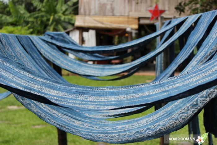 Làng nghề dệt lụa truyền thống Ock Pop Tok ở Luang Prabang