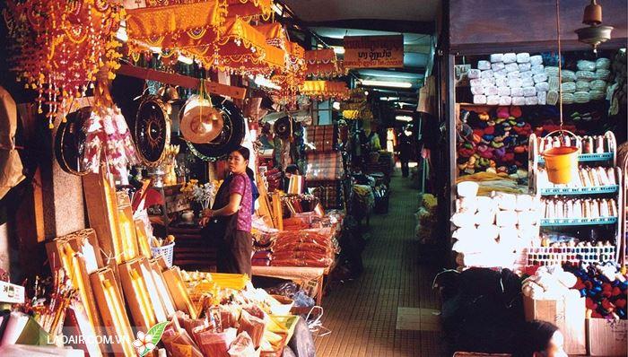 Chợ Chinese market Lào