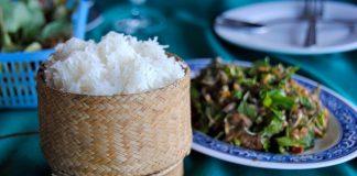 Nếm thử các món ngon ở Lào